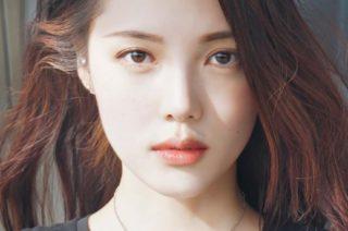 眉毛の美しい女性
