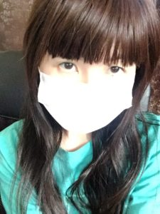 マスクをしているサチラ