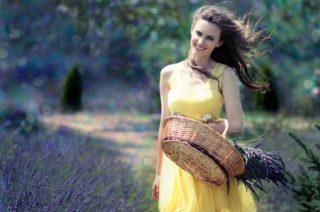 バストの綺麗な女性