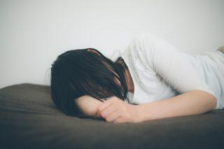 眠れない女性